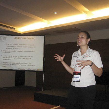 2007 Marianne palestrando pela ABETA