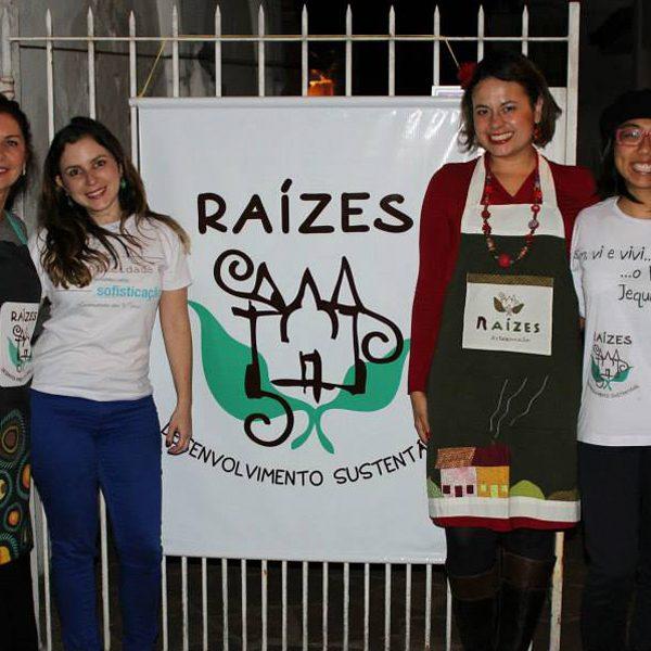 2013.12 Equipe no Evento - Maria Sônia, Jussara, Mariana, Marianne, Rebeca e Isabela