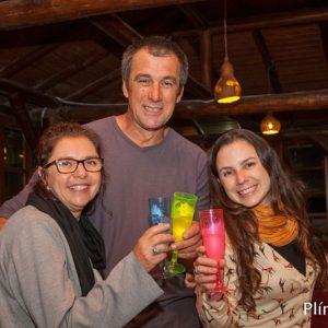 2015.16 Jussara e Mariana comemorando com o queridíssimo representante dos pescadores Gabriel o sucesso do workshop na Guarda do Embaú SC